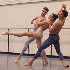 Ideas For Dancing Ballet Men Male Ballet Dancers, Ballet Art, Dancers Feet, Mikhail Baryshnikov, Belly Dancing Classes, Dance It Out, Dance Movement, Dance Poses, Ballet Photography
