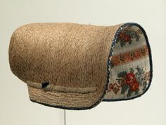1820-1830 ca. Poke Bonnet, English. Straw lined with floral fabric. Snowshill Manor © National Trust / Richard Blakey nationaltrustcollections.org.uk suzilove.com