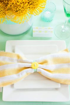 Wedding Colors | Mint   Yellow http://www.theperfectpalette.com/2014/01/wedding-colors-mint-yellow.html