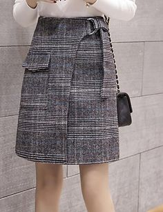 Ideas Skirt Black And White Plaid Skirt Outfits, Dress Skirt, 50s Style Skirts, How To Make Skirt, Teenage Girl Outfits, Fashion And Beauty Tips, Plaid Skirts, Elegant Outfit, Blouse Styles