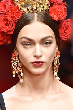 Romantic Notions Colorful jewels, pearls and metals imbued on earrings, necklaces and rings with a medieval nod. Dolce & gabbana