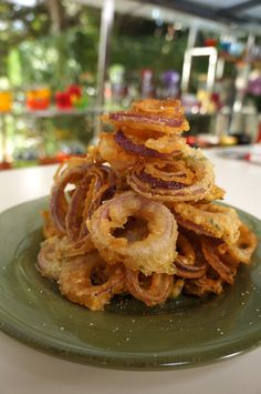 THGANHTA KREMMYDIA SITE Onion Rings, Food Porn, Easy Meals, Snacks, Ethnic Recipes, Finger Food, Appetizers, Quick Easy Meals, Easy Dinners
