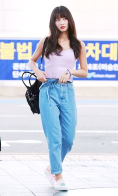 K-Pop Babe Pics – Photos of every single female singer in Korean Pop Music (K-Pop) Airport Fashion Kpop, Kpop Fashion Outfits, Girl Fashion, Girl Outfits, Cute Outfits, Style Fashion, Kpop Mode, Pantalon Cargo, Style Casual