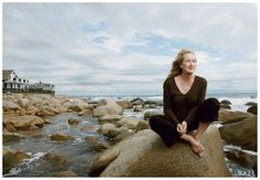 meryl-streep-force-of-nature-vogue-by-annie-leibovitz-january-2012.jpg (1305×902)