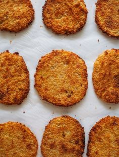 A recipe for baked kohlrabi schnitzel with a salad of sourcream cucumbers. A nice vegetable recipe featuring delicate kohlrabi in a crunchy schnitzel crust. Baked Recipes Snacks, Vegetable Recipes, Easy Dinner Recipes, Crockpot Recipes, Baking Recipes, Easy Meals, Kohlrabi Recipes, Chou Rave, Best Food Ever