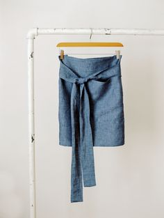 fully lined pocket detail. a well traveled brand.  An apron.  I would like this to be a skirt.