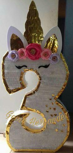 Unicorn Pinata, Unicorn Kids, Unicorn Party, Fancy Birthday Party, Unicorn Birthday Parties, Girl Birthday Decorations, Pinata Party, Giant Paper Flowers, Diy Crafts For Kids