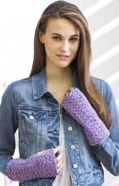 Easy Crochet Wristers - UK crochet pattern