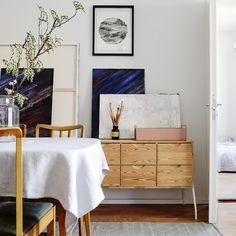 Mäntylipasto 1980-luvulta: näin teet siitä helposti upean! | Meillä kotona Kitchen Dining, Dining Room, Modern Cottage, Entryway Bench, Home Office, Color Schemes, Diy Projects, Interior, House