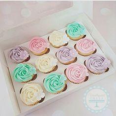 #babyshower #dåp og #navnefest #inspirasjon til kake bordet fra @vanillapatch_cakes. #detlilleekstra #dinbabyshower #nettbutikk www.dinbabyshower.no