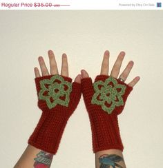 CHRISTMAS SALE Wool Blend Crochet Fingerless Gloves by luvbuzz,