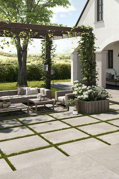 Create your backyard oasis with 2CM porcelain pavers ☀️ Discover more today at Euro Tile & Stone. Euro, Back Deck, Backyard Garden Design, Outdoor Rooms, Wall Tiles, Modern Farmhouse, Contemporary Design, Oasis, Garden Ideas
