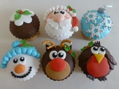 I love making cupcakes, only wish I had more time! Here are 11 cute christmas cupcakes that I've rounded-up for this holiday season. How To Make Cupcakes, Cute Cupcakes, Making Cupcakes, Decorated Cupcakes, Giant Cupcakes, Gateau Iga, Christmas Cupcakes Decoration, Cupcake Decorations, Xmas Food