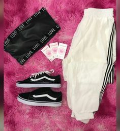 Fashion punk women outfits new Ideas Punk Women, High School Outfits, Teen Fashion, Womens Fashion, Tumblr Outfits, Some Girls, Looks Vintage, Comfortable Outfits, Dress Me Up