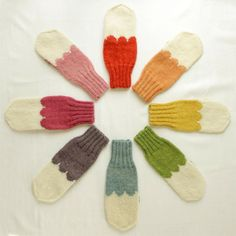 I just bought a bunch of mittens.I wish I could find these . You don't see many people wearing the mitten.They wear the gloves with fingers.So I decided to do mittens. Fabric Patterns, Knitting Patterns, Crochet Patterns, Knitting Ideas, Knit Mittens, Knitted Gloves, Yarn Crafts, Sewing Crafts, Knitting Accessories