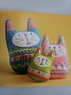 softie cat - so cute! Fabric Toys, Fabric Crafts, Sewing Crafts, Sewing Projects, Operation Christmas Child, Felt Embroidery, Patchwork Fabric, Softies, Plushies