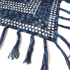 Nightfall - Free crochet pattern for triangle shawl - Annie Design Crochet Crochet Shawl Diagram, Crochet Shawl Free, Crochet Wrap Pattern, Crochet Poncho Patterns, Crochet Shawls And Wraps, Basic Crochet Stitches, Crochet Basics, Knitting Patterns, Crochet Scarfs