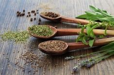 If you suffer from fatigue, panic attacks, anxiety, or depression, here's how to heal from adrenal fatigue naturally! Ayurvedic Home Remedies, Adrenal Fatigue Symptoms, Alternative Health, Korn, Natural Cures, Natural Medicine, Healthy Tips, Pesto, The Cure