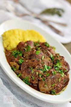 Ficatei de pui la cuptor, in sos de rosii - CAIETUL CU RETETE Romanian Food, Dukan Diet, Cooking Recipes, Healthy Recipes, Love Food, Food And Drink, Appetizers, Beef, Meals