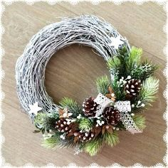 Christmas Advent Wreath, Gold Christmas Decorations, Holiday Wreaths, Outdoor Christmas, Rustic Christmas, Christmas Crafts, Xmax, Diy Wreath, Creative Decor