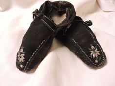 VERY RARE C 1840'S BLACK SUEDE HAND SEWN SHOES W EMBROIDERED TOE