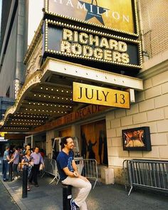 Hamilton on Broadway Hamilton Broadway, Hamilton Musical, Alexander Hamilton, Musical Theatre Broadway, Broadway Nyc, Musicals Broadway, Hamilton Wallpaper, Richard Rodgers, Hamilton Fanart