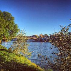El Puente de Triana de esos que llenan a #Sevilla de orgullo.  by lvdclaudia