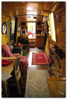 Houseboat Interiors Ideas (4)