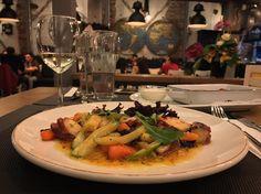 Mmmmm... #restaurant #Plovdiv #food #dinner Restaurant, Chicken, Meat, Dinner, Instagram, Food, Dining, Diner Restaurant, Food Dinners