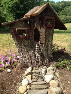 Gnome house from my grandma's cherry tree The beautiful garden design needs c. Gnome house from my Fairy Tree Houses, Fairy Garden Houses, Gnome Garden, Garden Cottage, Fairies Garden, Mini Fairy Garden, Gnome House, Gnome Tree Stump House, Miniature Fairy Gardens