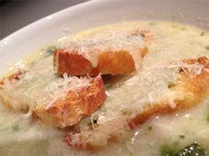 Receta de sopa de cebolla gratinada con guisantes   Hosteleriasalamanca.es