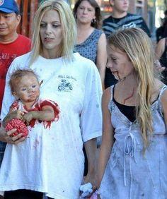 Hammer Idee für einen Zombiewalk und Halloween. So haben die Eltern ihren kleinen Zombie immmer im Blick!
