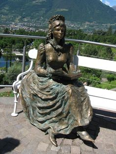Empress Sissi, The Empress, Kaiser Franz, Old Portraits, Museum, Shy Girls, Book People, Beautiful Castles, Hungary
