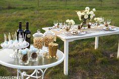 Elegant wedding table set-up