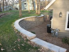 Curved reverse retaining wall