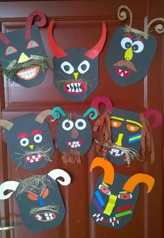 Mohácsi busójárás álarcok ördög Clown Crafts, Carnival Crafts, Art Drawings For Kids, Art For Kids, Diy And Crafts, Arts And Crafts, Paper Crafts, Theme Carnaval, Halloween