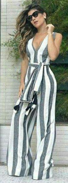 Cute gray and white striped jumpsuit. Cool Outfits, Summer Outfits, Casual Outfits, Fashion Outfits, Womens Fashion, Mode Hijab, Urban Fashion, Casual Chic, Latest Fashion Trends