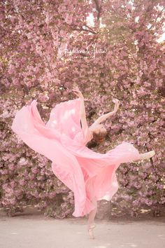 Rose Gold Aesthetic, Film Aesthetic, Dance It Out, Just Dance, Cherry Blossom Pictures, Dance Dreams, Ballet Pictures, Markova, Pink Photo