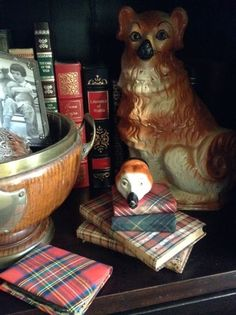 Staffordshire, tartan & books in a Glendogal Cottage vignette