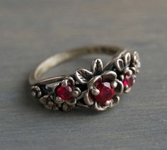 Vintage Kabana Sterling Silver Red Garnet Flower Ring by MintAndMade