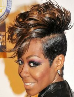 Short mohawk hairstyles for black women is the right choice for you who want to look more stylish. With this eccentric hairstyle, you will look cool and Short Hair Mohawk, Mohawk Hairstyles For Women, African American Women Hairstyles, Cute Hairstyles For Short Hair, African Hairstyles, Straight Hairstyles, Curly Hair Styles, Black Hairstyles, Girl Mohawk
