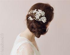 Coiffe mariée fleurs blanches perlées