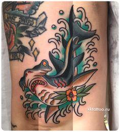 Tattoo by Dmitry Rechnoy (Re… Hammerhead shark traditional tattoo. Tattoo by Dmitry Rechnoy XKtattoo studio. Traditional Tattoo Colours, Traditional Nautical Tattoo, Traditional Shark Tattoo, Traditional Tattoos, Hand Tattoos, Rose Tattoos, Sleeve Tattoos, Hammerhead Tattoo, Tattoo Filler