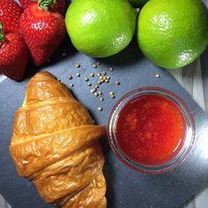 Erdbeer-Limetten-Marmelade mit Koriander http://ift.tt/1PGxdO2 - http://ift.tt/1Ku8h61