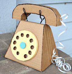 DIY_Teléfono_manualidad_caja_de_cartón_PintandoUnaMama
