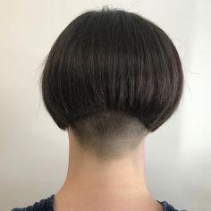 Short Stacked Bobs, Angled Bobs, Inverted Bob, Stacked Bob Hairstyles, Short Black Hairstyles, Short Hair Cuts, Shaved Bob, Shaved Nape, Crop Haircut