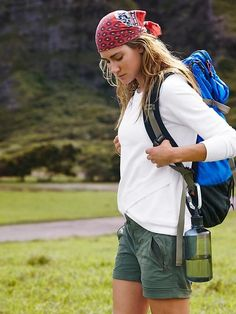 Product photo clothes summer hiking outfit, hiking fashion и Summer Hiking Outfit, Summer Outfits, Camping Outfits For Women Summer, Hiking Dress, Sport Outfits, Trekking Outfit, Style Blogger, Outfits Mujer, Hiking Fashion