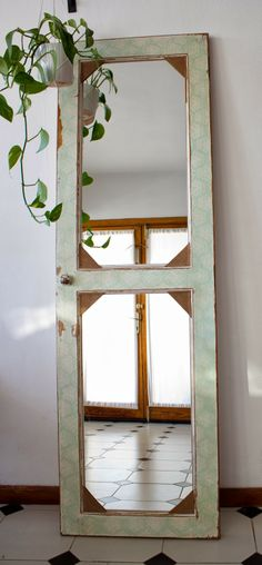 Metamorfosis: Puerta espejo Diy Mirror, Old Doors, Window Frames, Cottage Chic, Furniture Makeover, Office Decor, Farmhouse Decor, New Homes, Indoor