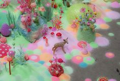 Açúcar e glitter, é basicamente o que Tanya Schultz e Nicole Andrejevic usam em suas obras. Trabalhando com o nome de Pip & Pop, as artistas australianas criam instalações completamente inspiradoras.