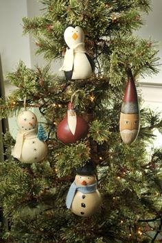 Gourd ornaments-I could DIY one